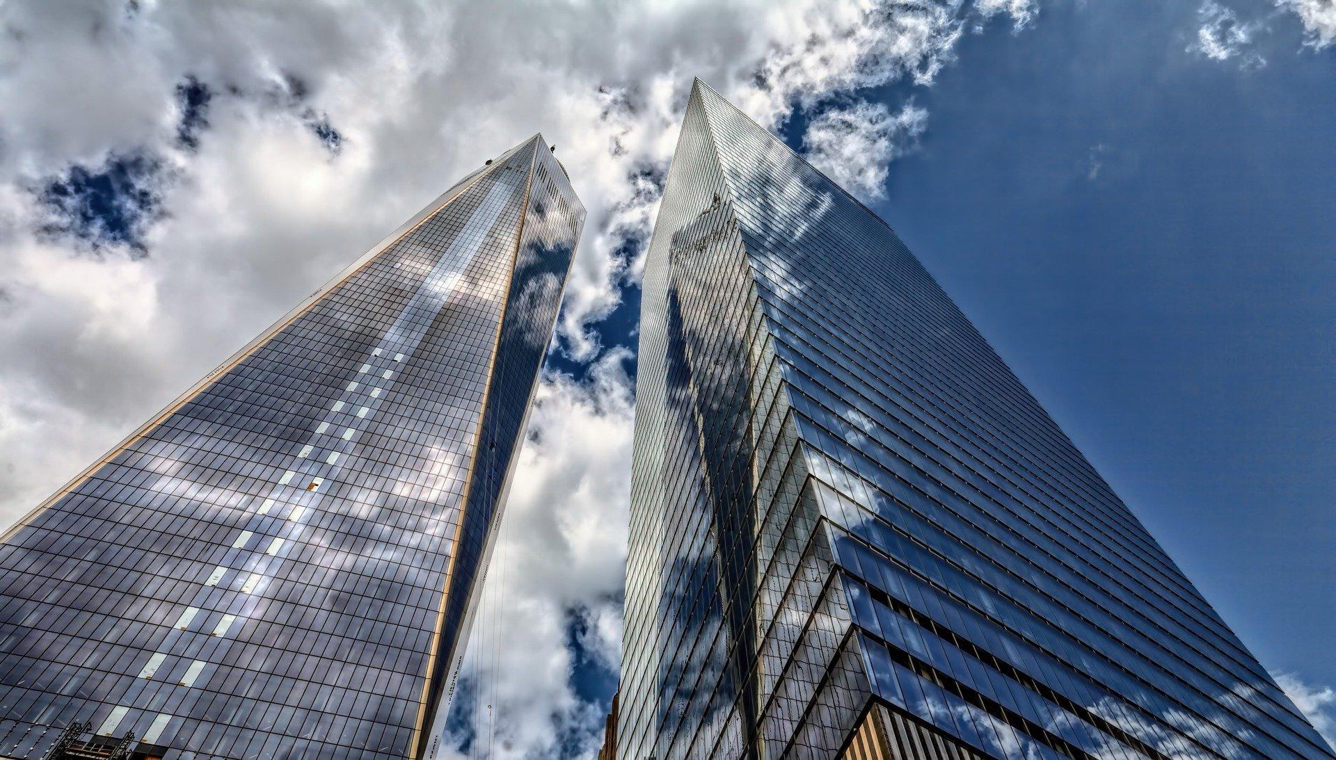 Graue Wolken am New Work Himmel – oder – Ein Gespenst namens Personalabbau